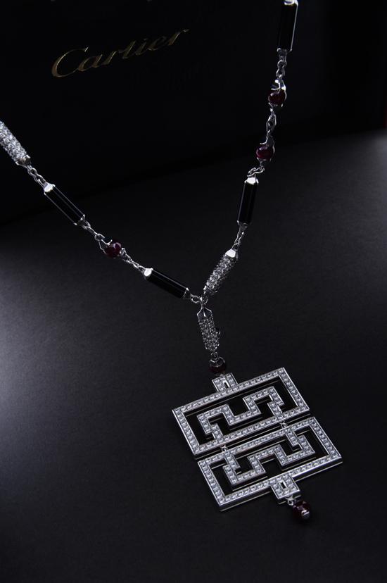 资料:09芭莎明星慈善夜拍品-龙之吻璨珠宝项链