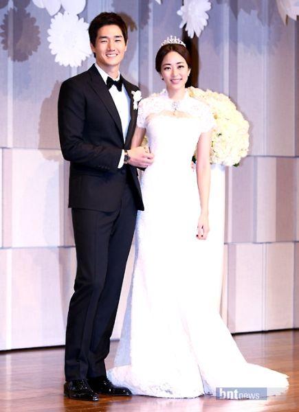 结婚4个月全慧珍便生下一女,李天熙欣喜若狂,声明要做个好爸爸.