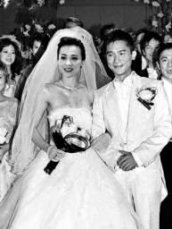 刘嘉玲婚礼要办比基尼派对(图)