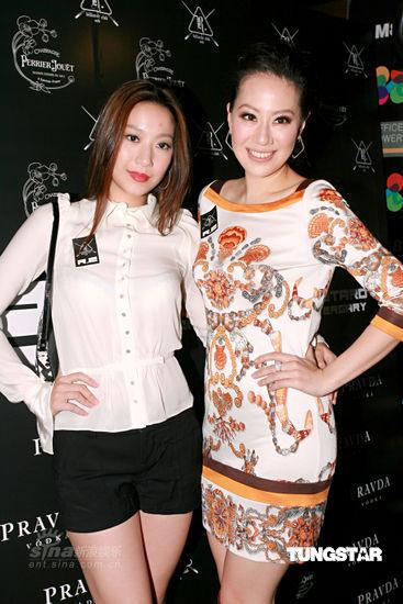 汪诗诗(左)汪圆圆姐妹俩