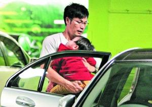 郭晋安两岁儿子26斤重娱乐圈盛产小肥宝宝(图)