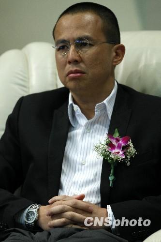 港媒披露李泽楷梁洛施分手原因女方约会男子