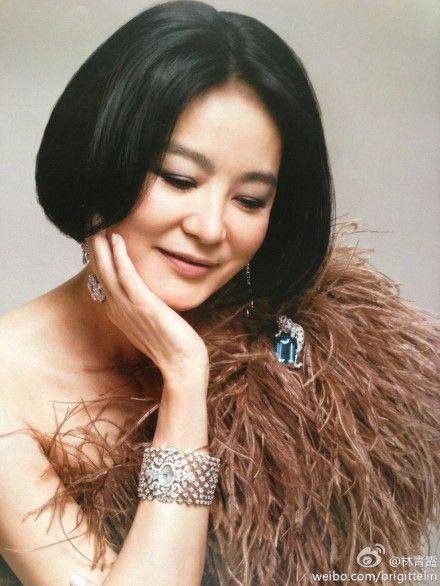 林青霞为杂志拍摄封面