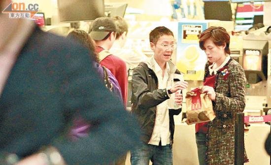 赵式芝到快餐店买外卖,其后更偷运进场。