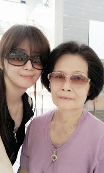 孟庭苇和妈妈