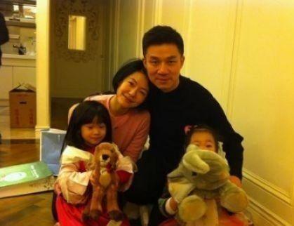 小S夫妻与两个女儿