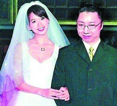 林志玲与邱士楷(资料图片)