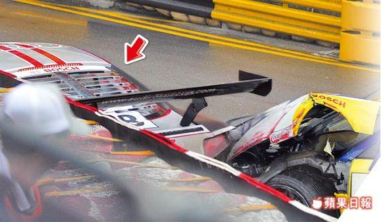 郭富城赛车被追撞