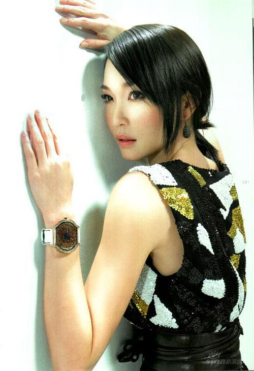 组图:范文芳百万代言腕表展现高贵迷人气质