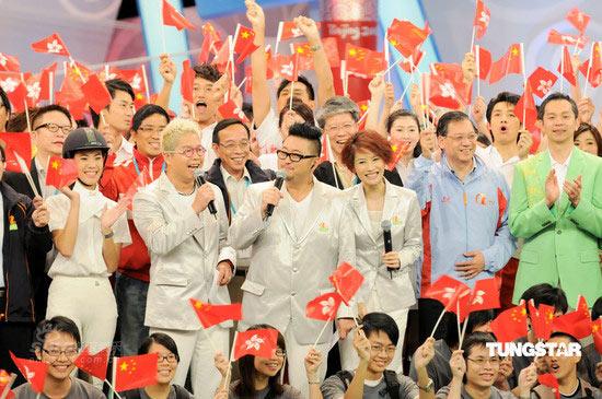组图:袁彩云林晓峰等京港连线奥运开幕式