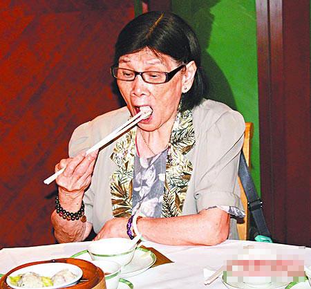 Anita Mui's mother