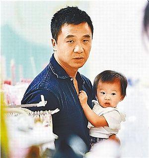 林嘉欣老公袁剑伟与女儿Kayla