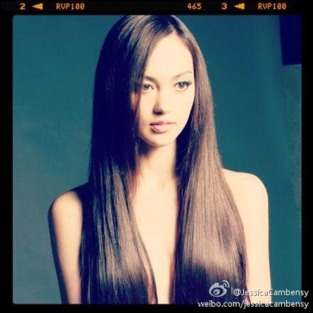 香港嫩模Jessica C半裸上身秀发遮美胸