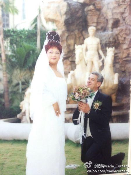 肥妈与老公的婚纱合影