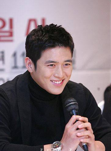 金钟国曹诚模高修完成兵役今春重返娱乐圈(图)
