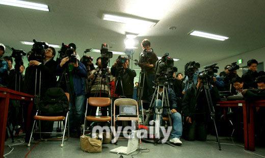 韩国警方举行发布会公布张紫妍自杀案调查进程
