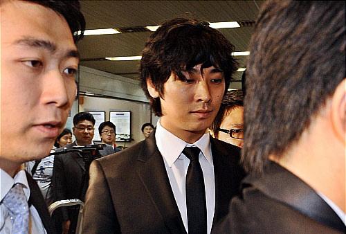 朱智勋吸毒可能获刑一年23日法庭宣判(附图)