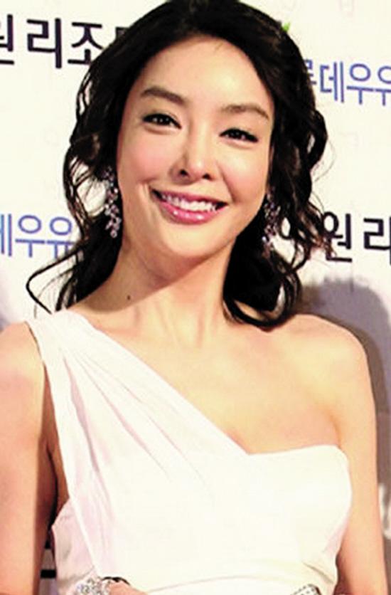 自杀女星张紫妍生前经纪公司老板被逮捕
