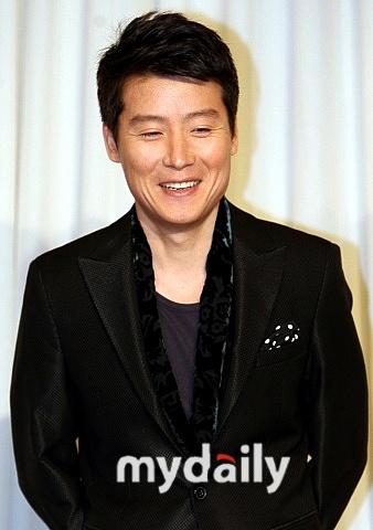 李贤宇结婚7个月后当爸爸