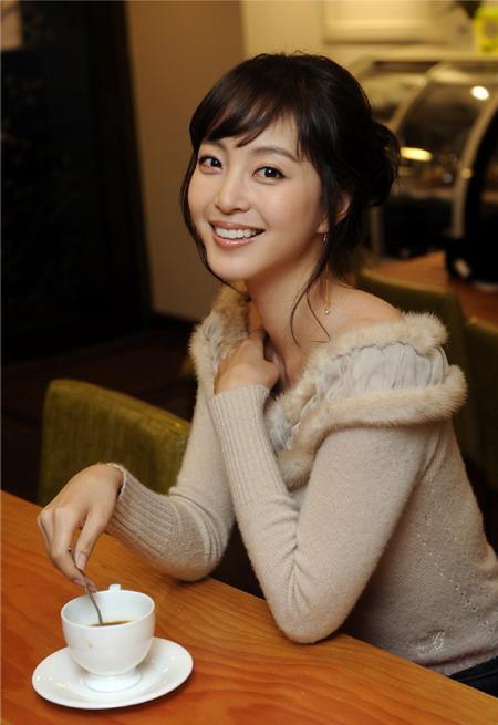 韩娱每周一星:韩艺瑟妖娆芭比用努力征服观众