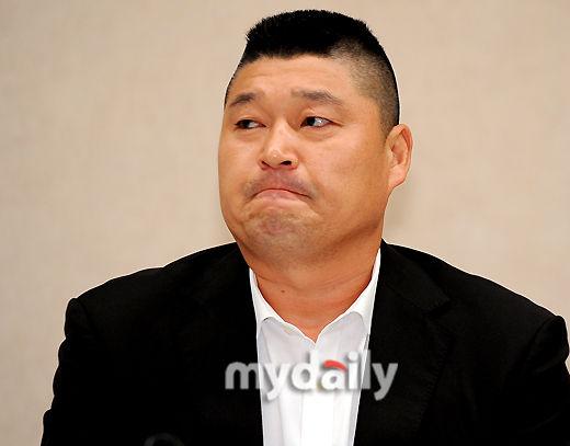 韩国名嘴姜虎东因逃税丑闻宣布退出演艺界