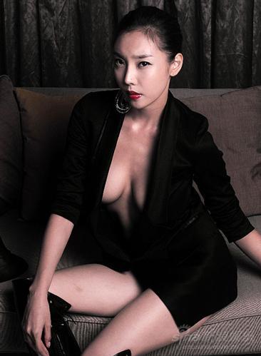 图文:韩国性感美女徐英野性秀美腿