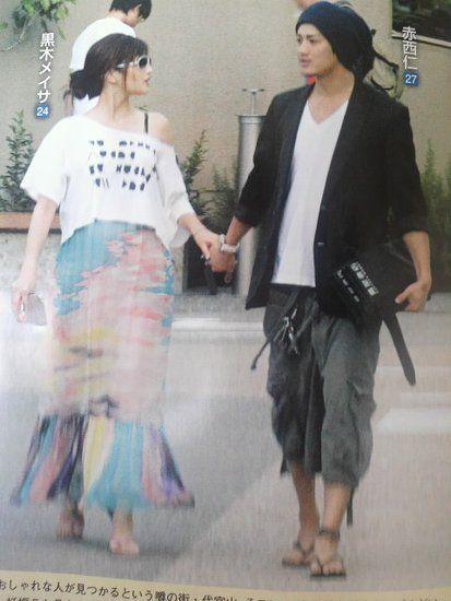 赤西仁与老婆黑木明纱