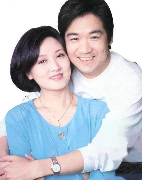 张国立冯小刚等倡议捐款慈善到明处发票为证