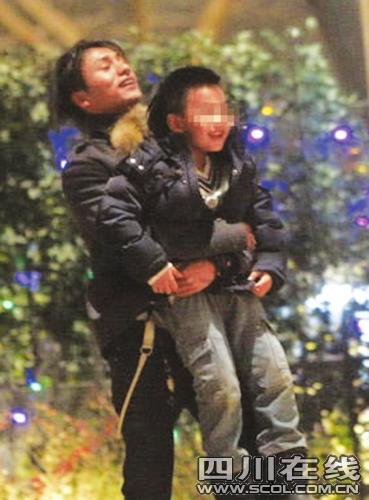 陈坤承认优优是亲生儿生母不是一线女星