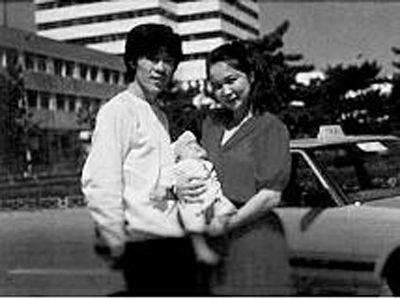 蔡明与丈夫(网络图片)
