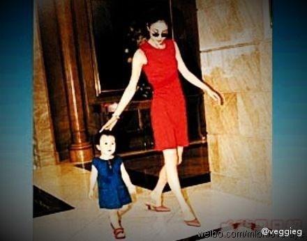 王菲与女儿窦靖童旧照