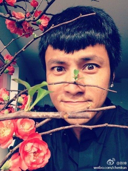 陈坤顶新发型卖萌抢桃花