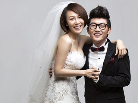 金志文与老婆甜蜜婚纱照