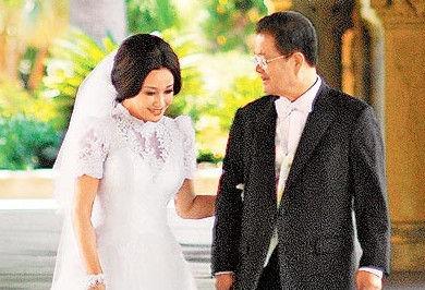 刘晓庆小姑驳弃养私生子:孩子妈不联系