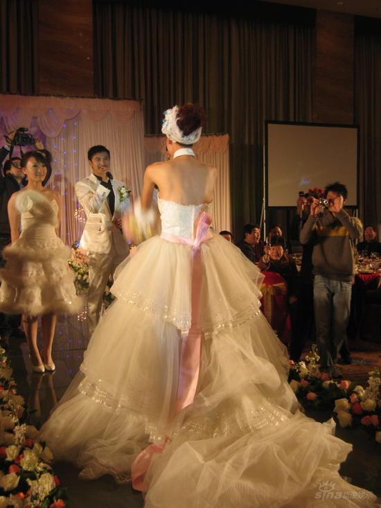图文:田亮叶一茜新婚典礼现场-新郎向新娘告白
