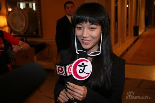 组图:佟大为北京婚礼《奋斗》王珞丹不改俏皮
