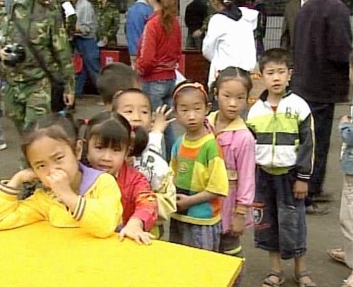 全国第一所抗震希望小学在绵竹开学复课(组图)