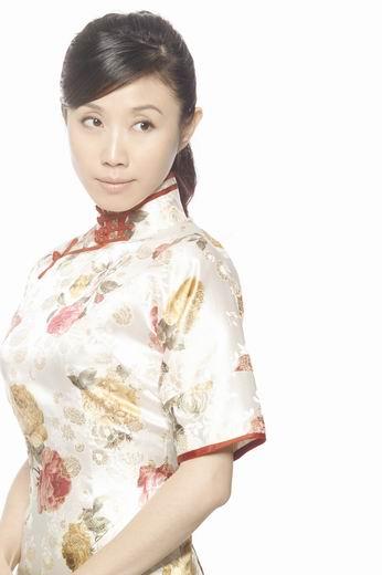 """组图:""""年代戏女皇""""胡靖钒清丽古典民国写真"""