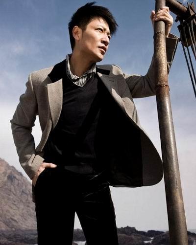 组图:李宗翰09年拍时尚大片魅力男星不羁气质