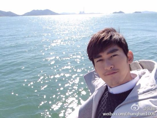 张翰在大海上自拍