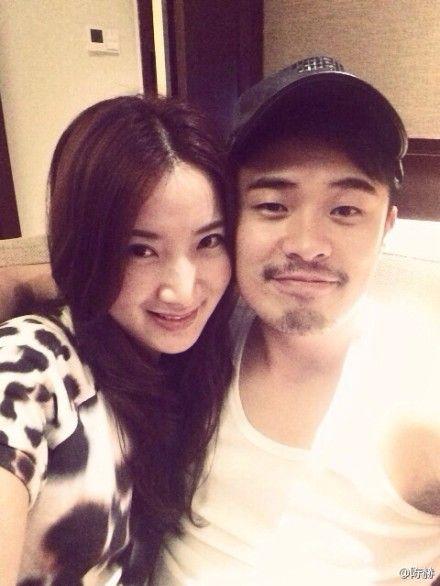 陈赫和老婆甜蜜秀恩爱