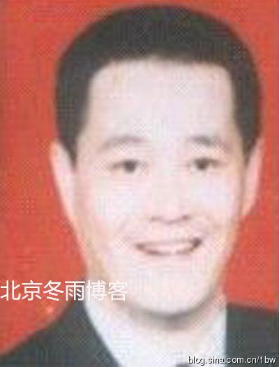 赵本山短寸发型