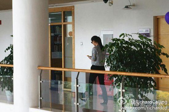 陈红课间在走廊
