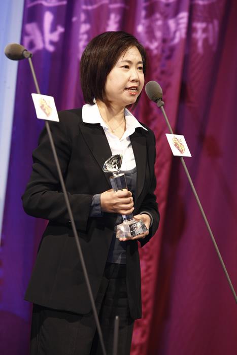 图文:BQ2008红人榜联想集团获年度公益奖