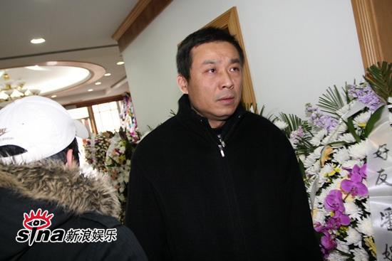 图文:潘星谊遗体告别仪式-中影集团副总江平匆匆赶到