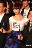 组图:林志玲变身贵妇引骚动露美背与时尚串联