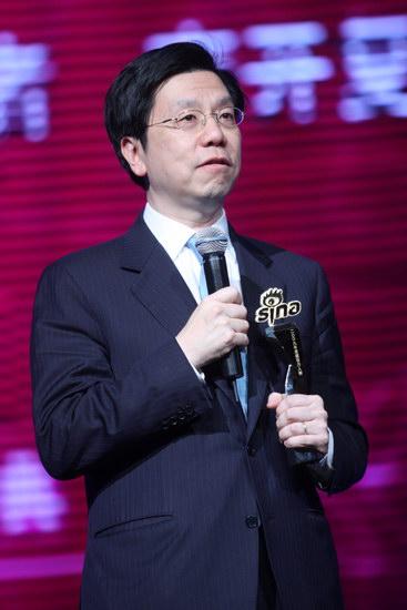 图文:李开复获年度感召力人物荣誉