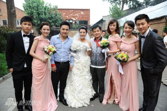 伴郎伴娘要未婚吗_图文:雷悦李泰延大婚-和伴郎伴娘们