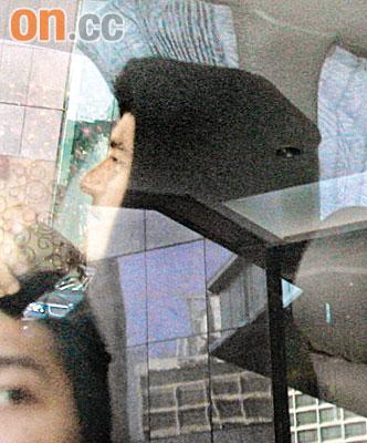 奥兰多-布鲁姆遇记者遮面请周润发吃饭遭婉拒