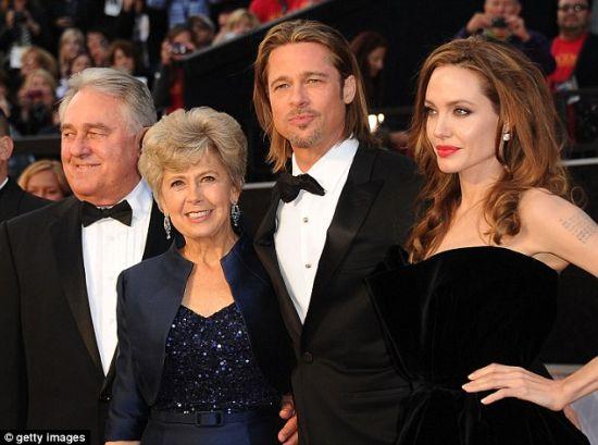 朱莉和皮特父母